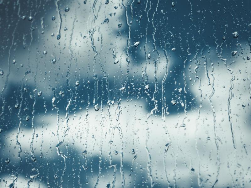 Regen und Wolken