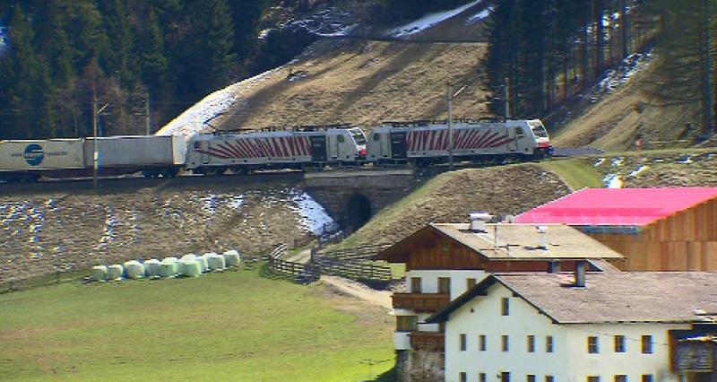 Güterzug auf der Brennerbahn