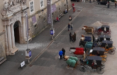 Residenzplatz wird neu gestaltet Salzburg Fiaker Residenz Pferde