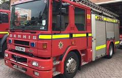 Britische Feuerwehrautos auf Durchreise nach Kroatien
