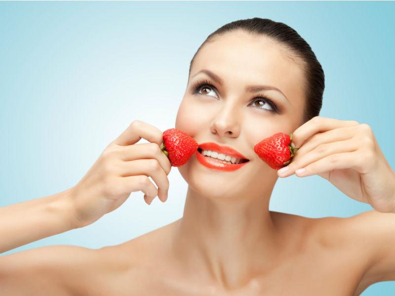 Erdbeeren Frau