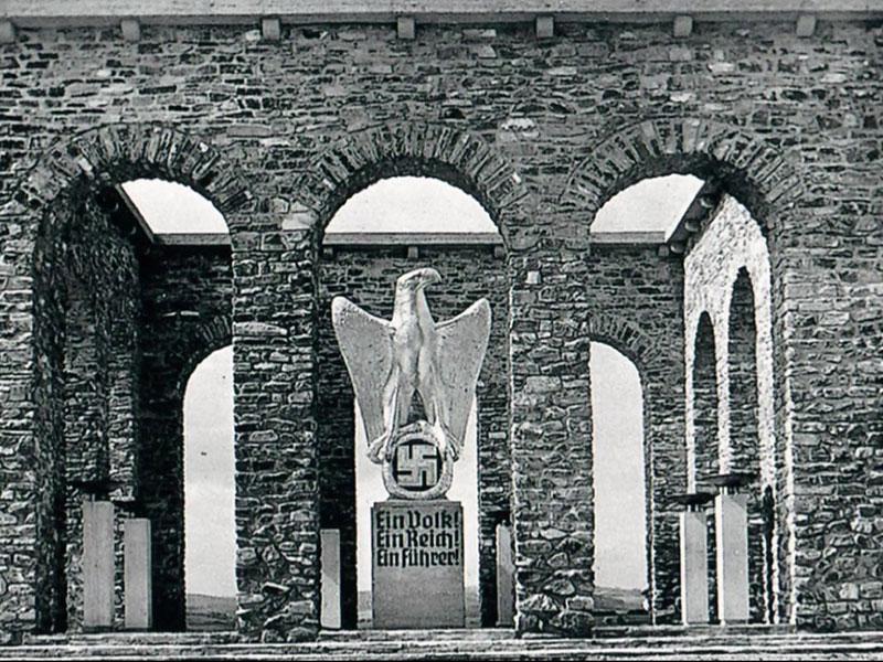 Historische Aufnahmen vom Mahnmal