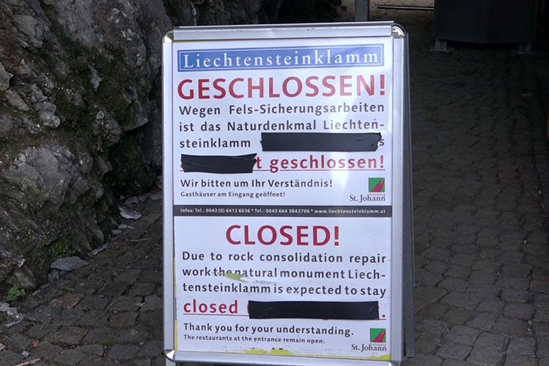 Schild: Liechtensteinklamm bei St. Johann im Pongau geschlossen