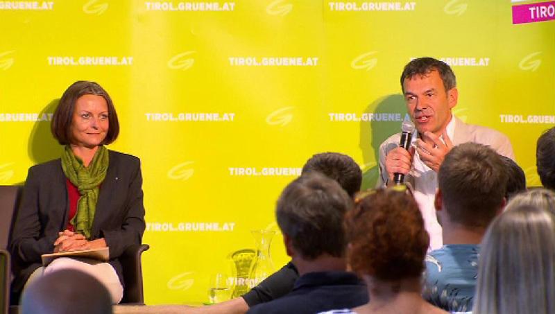 Sonja Pitscheider und Georg Willi bei Versammlung