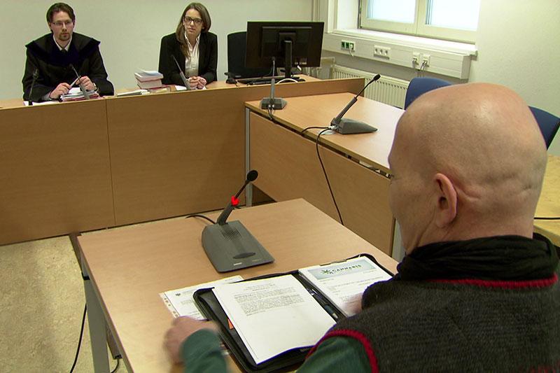 Cannabisaktivist bei Prozess im Salzburger Landesgericht