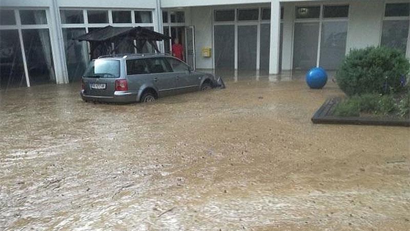 Überschwemmung Kurzentrum in Bad Weissenbach