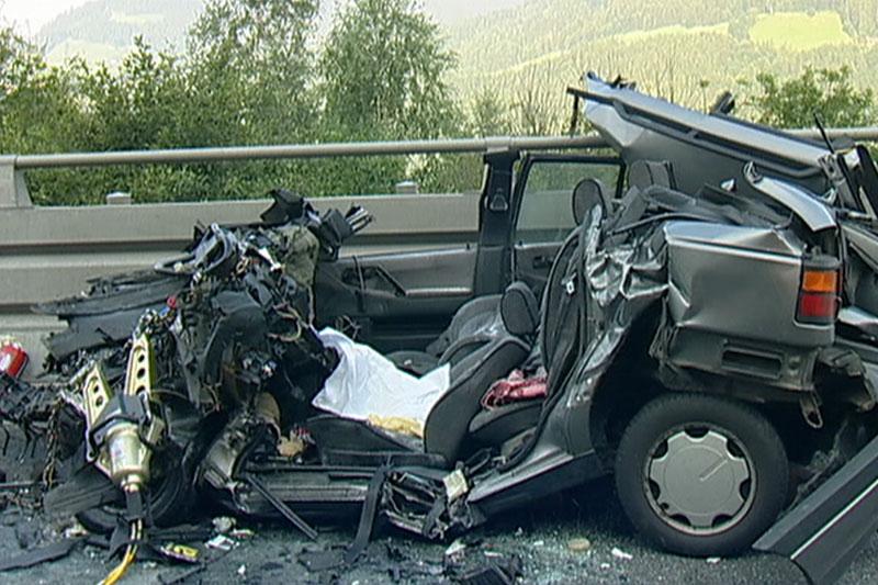Autowrack nach tödlichem Unfall auf der Umfahrung Bischofshofen im Juli 2007