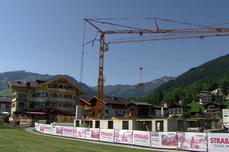 Baustelle für Chalets im Zentrum von Maria Alm