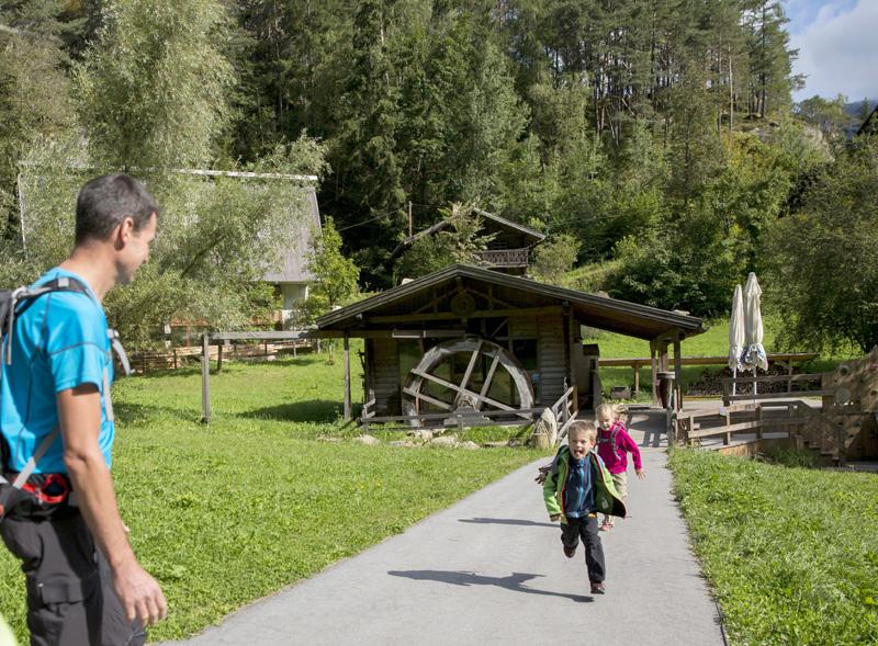 Kind Papa Mühle Piburg