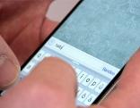SMS Handy Hände Mobiltelefon Chat