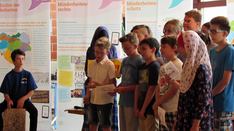 školska fešta DNSŠ Veliki Borištof putujuća izložba o austrijanski narodni grupa i manjinskom školstvu