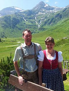 Alexander und Heidi Rieser auf der Schareckalm im Naßfeld bei Bad Gastein Böckstein