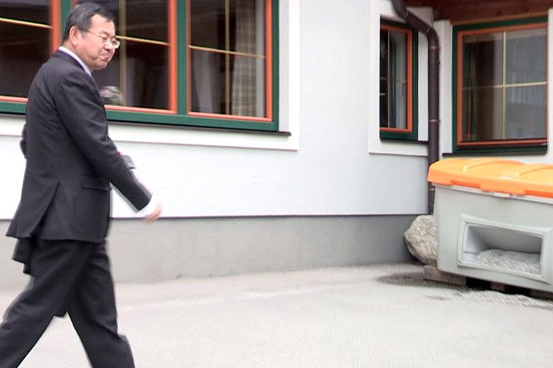 Zhong Hui Wang, Eigentümer des Skigebiets Gaißau Hintersee, bei Besuch in Abtenau