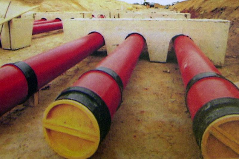 Erdkabel einer Stromleitung im Boden verlegt