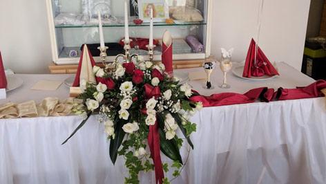 Almon esküvő