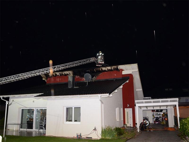 Trumau Brand Blitzschlag Haus