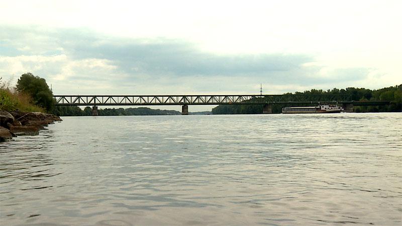 Donaubrücke bei Mauthausen
