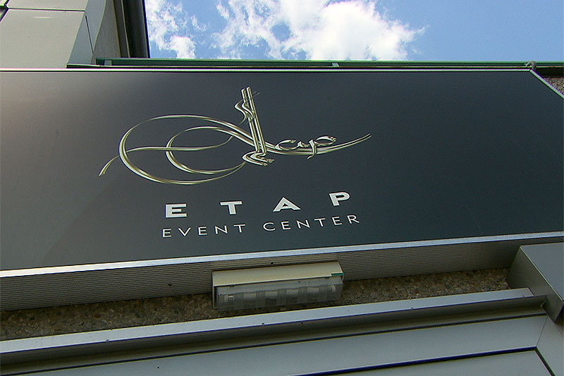 Schild ETAP Event Center in Liesing