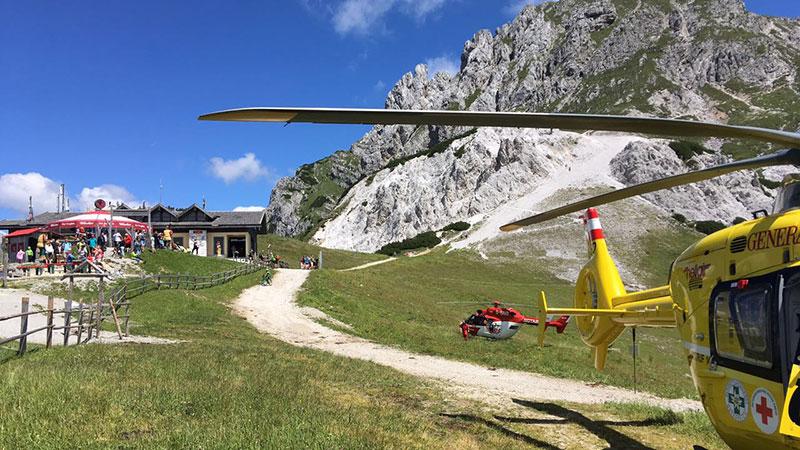 Hubschrauber nach Kuhattacke am Nassfeld