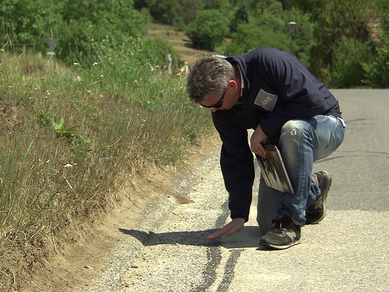 Veranstalter Hans Holzer kontrolliert die Strecke
