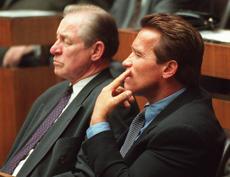 Alt-Landeshauptmann Josef Krainer und Arnold Schwarzenegger im Bundesrat.