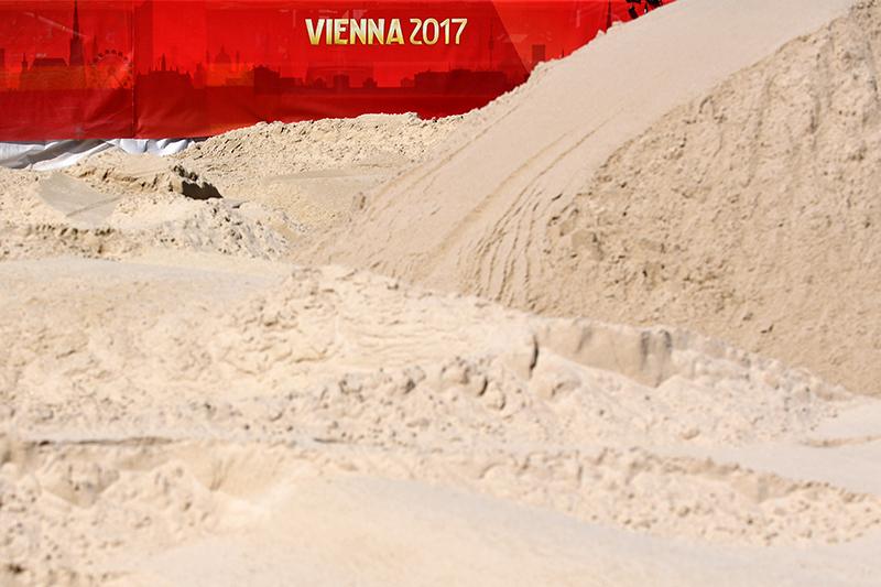 Sand für Beachvolleyball-WM