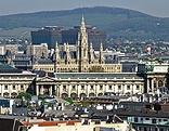 Wiener Skyline mit Rathaus