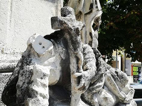 Geköpfte Heiligenstatue