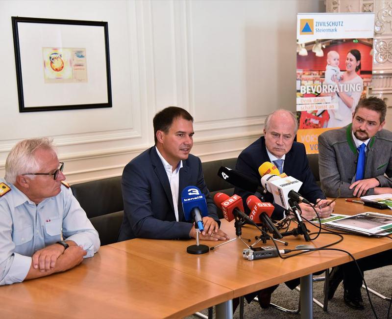"""Pressekonferenz zum Thema """"Selbstschutz Hochwasser"""""""