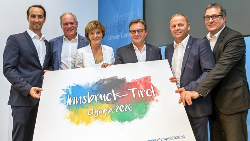 Georg Spazier, Peter Mennel, Bürgermeisterin Christine Oppitz-Plörer, Landeshauptmann Günther Platter,  Josef Geisler und Franz Xaver Gruber