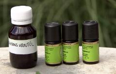 Johanniskrautöl und andere ätherische Öle