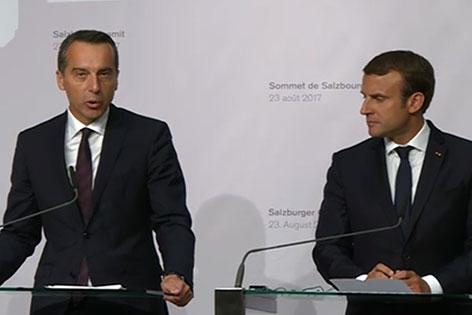 Bundeskanzler Christian Kern und Frankreichs Präsident Emmanuel Macron bei Pressekonferenz in Salzburg