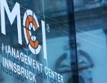 MCI Logo am MCI Gebäude