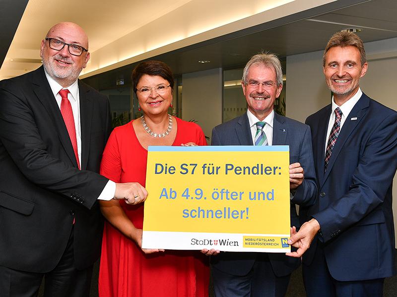 ÖBB-Vorstandsvorsitzender Andreas Matthä, Finanzstadträtin Renate Brauner, Verkehrslandesrat Karl Wilfing, VOR-GF Wolfgang Schroll