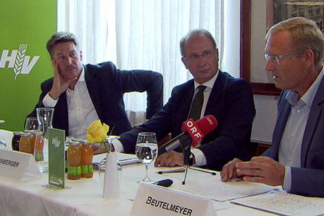 Pressekonferenz mit Tobias Moretti, Kurt Weinberger von der Österreichischen Hagelversicherung und Werner Beutelmeyer vom market Institut (v.l.n.r.)