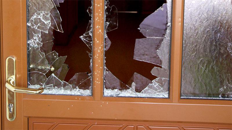 Eingeschossene Tür in Asylquartier