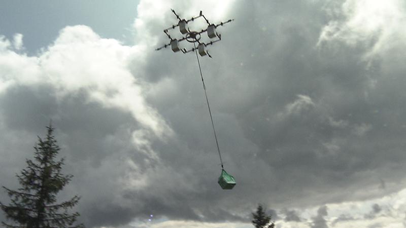 Drohnen beliefern Almhütte