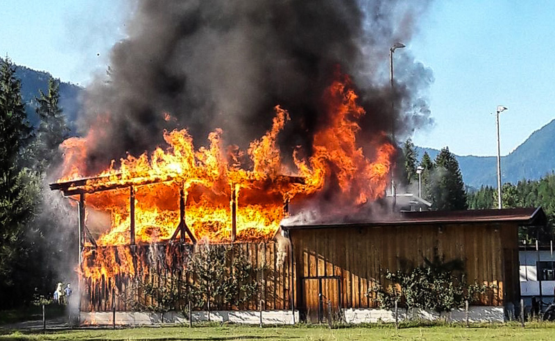 Brennendes Fernheizwerk