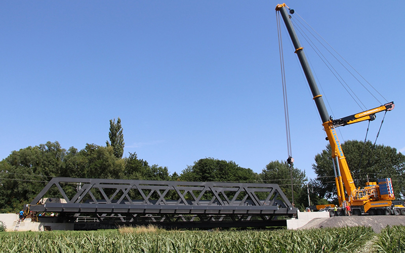 Einschiebung der Mödlingbachbrücke Achau