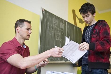 učitelům se zvednou platy | ilustrační foto