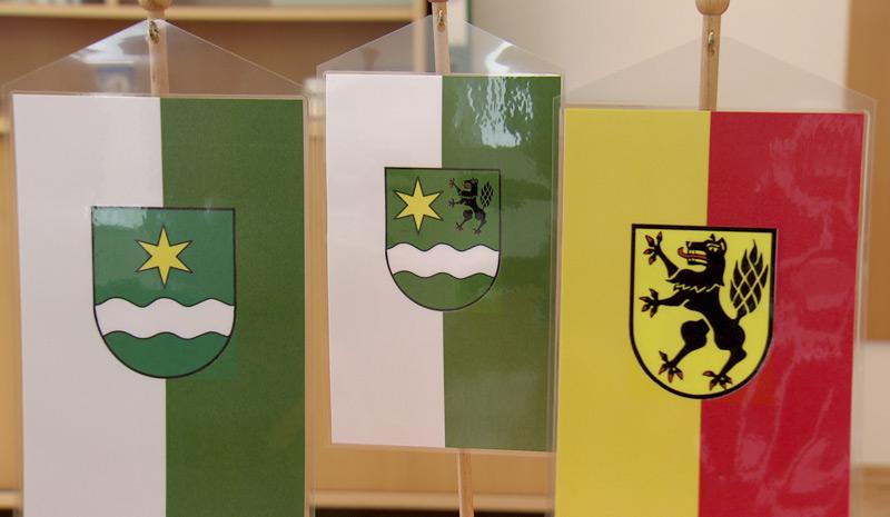 Gemeindefusion - Auch die Wappen der Gemeinden  Schönegg und Vorderweißenbach sollen zu einem (Mitte) verschmelzen