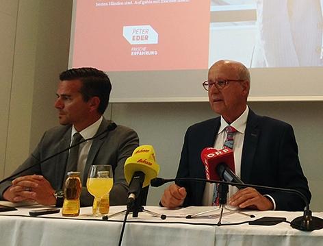 Peter Eder und Siegfried Pichler und Gerald Forcher vom Salzburger ÖGB