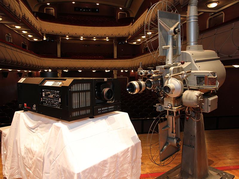 Filmkamera im Stadttheater