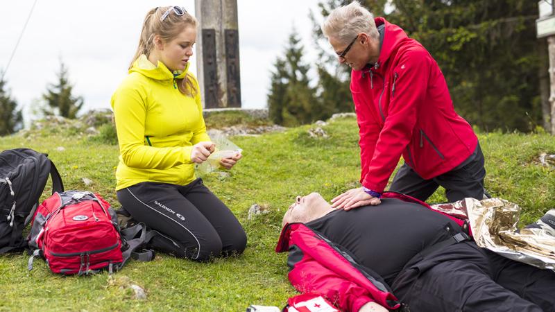 Erste Hilfe Herzmassage