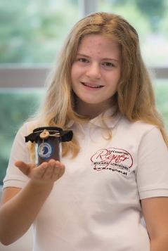 Stolze Erfinderin: Valentina mit ihrer palmölfreien Schokocreme