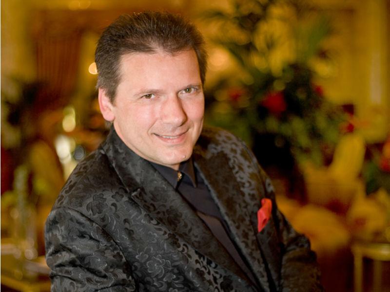 Wiener Barpianist Reinhard Wallner Portrait