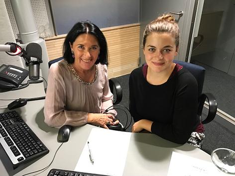 Ronja Forcher mit Sabine Wallner