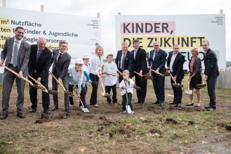 Spatenstich für Kinder Reha Zentrum in Rohrbach Berg