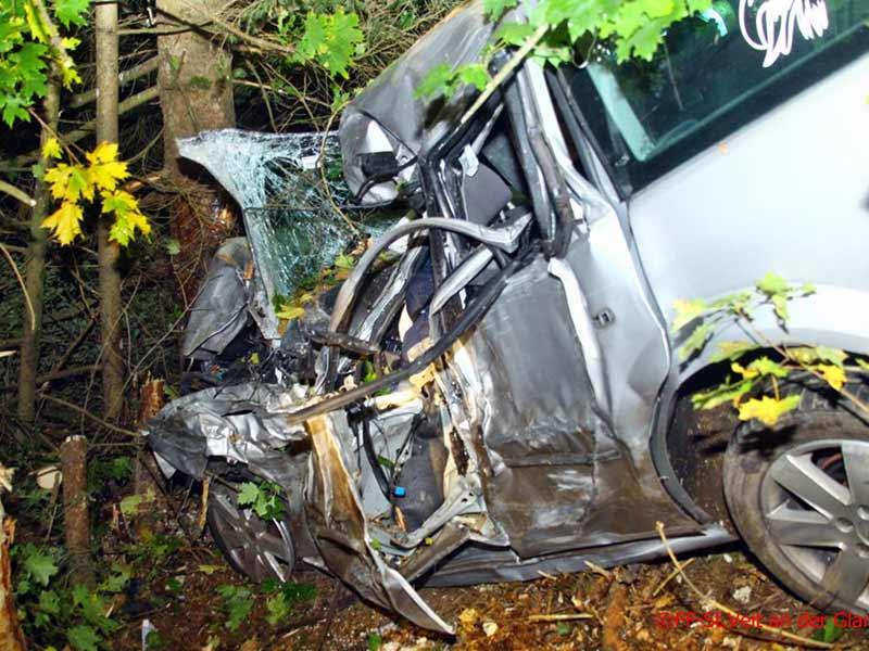 21-Jähriger tot Unfall gegen Baum Ossiacher Straße