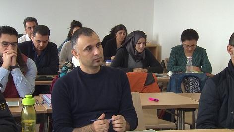 """Zertifikatskurs """"Bildungswissenschaftliche Grundlagen für Lehrkräfte mit Fluchthintergrund"""""""